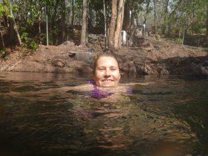 20141021-Buley rockhol Marieke zwemt