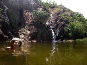 20141022-Marieke zwemt bij Florence Falls